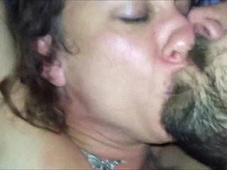 Brunette MILF POV deepthroat