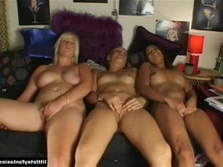Super Hot Girls Masturbating